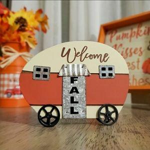 Welcome Fall Farmhouse Decor
